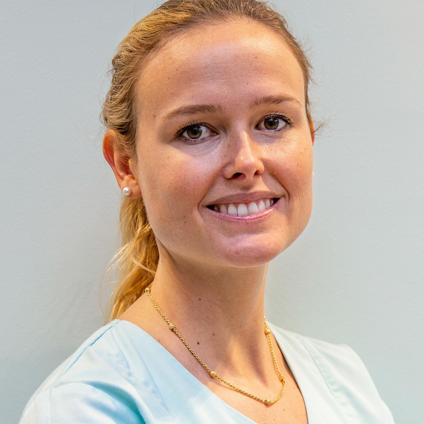 Dr Angélique CAVROT